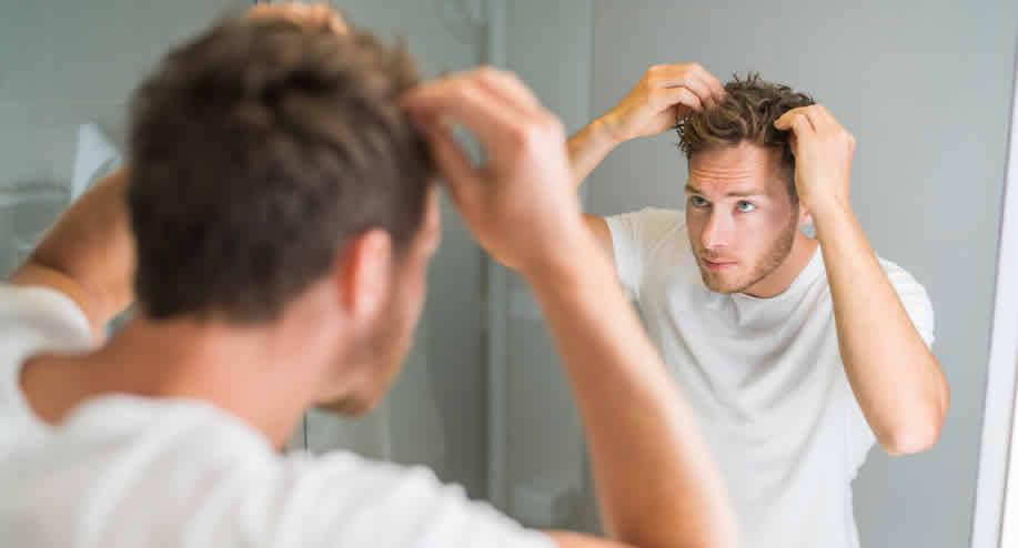 من يمكنه إجراء زراعة الشعر؟